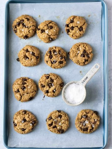 Chocolate chip oatmeal cookies with salt