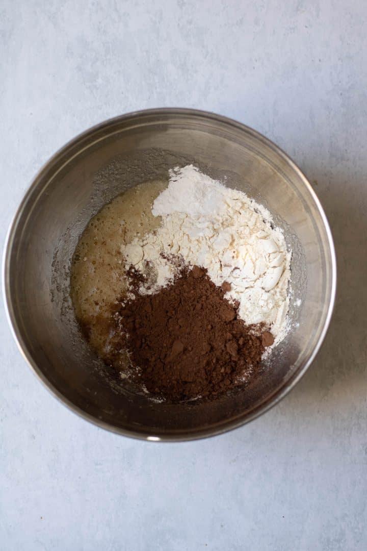 Mixing bowl, dry ingredients