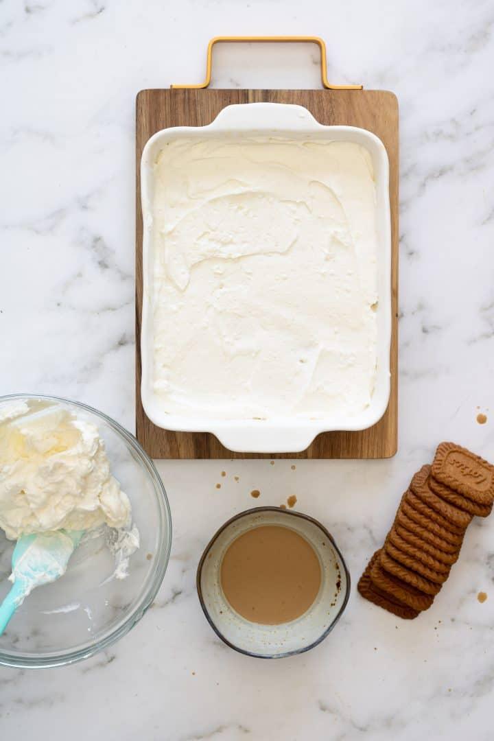 assembling lotus cheesecake