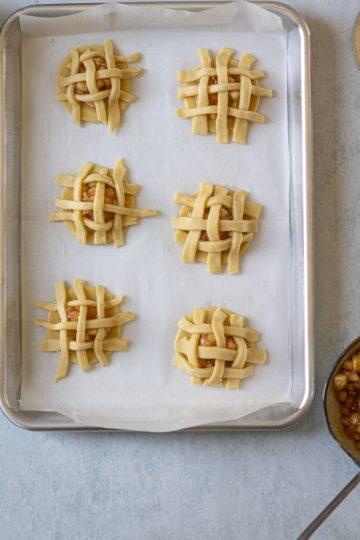 Apple pie cookies before baking